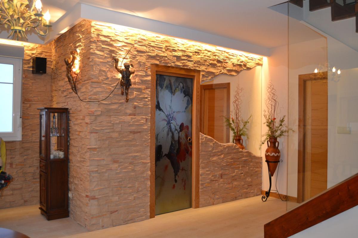 Revestimiento interior pizarra color beige for Plaqueta imitacion piedra para exterior